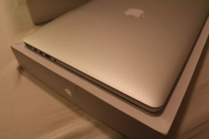 Apple MacBook Pro 15 'с Retina Display